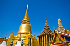 Get discount flights to Wat Phra Kaew in Bangkok