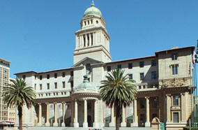 Get discount flights to Johannesburg City Hall