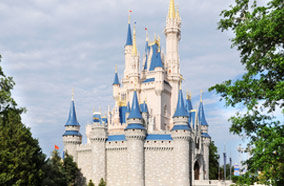 Get discount flights to Castle at Disney World in Orlando