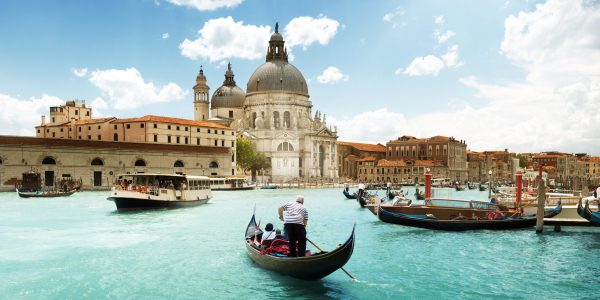 How to see Italy's entirety in two weeks
