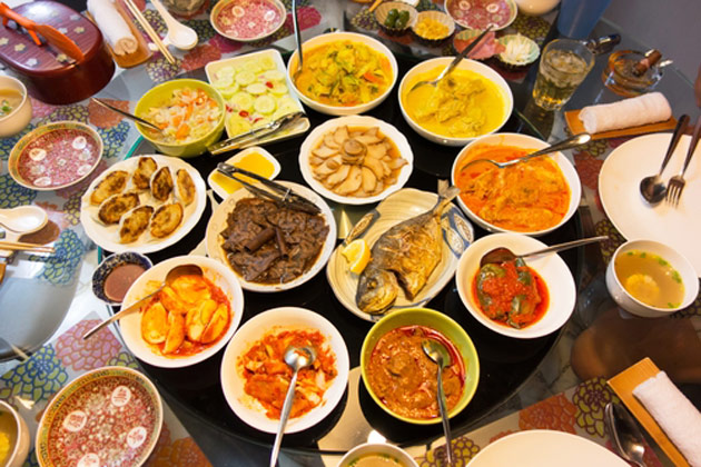 Enjoy Food in Singapore With Fare Buzz