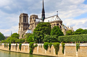 Get cheapest airfares to Notre Dame de in Paris