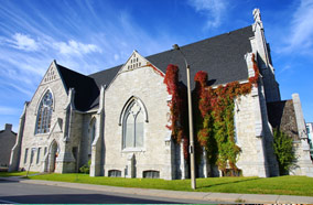 Get discount flights to Holy Trinity Baptist Church in Kingston