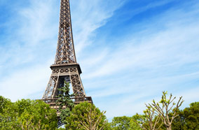 Get discount flights to Eiffel Tower in Paris