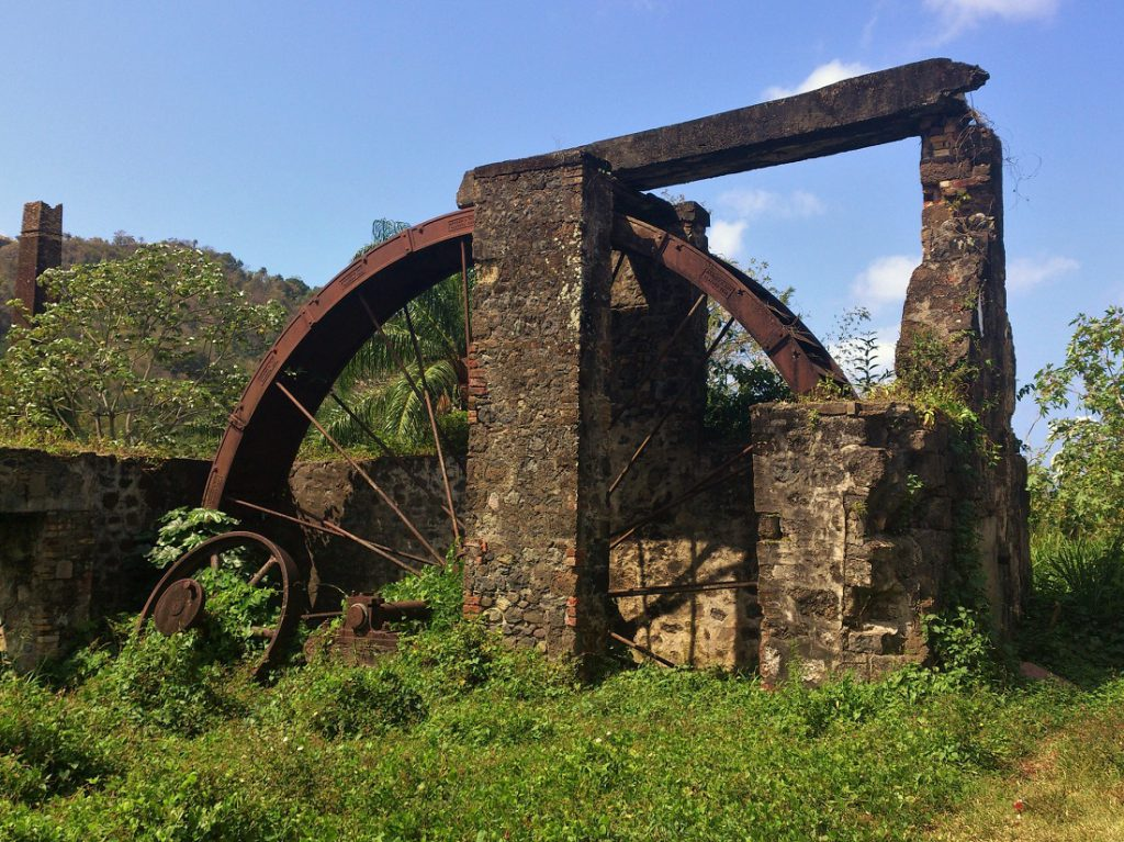 grenada-rum_distillary_waterwheel